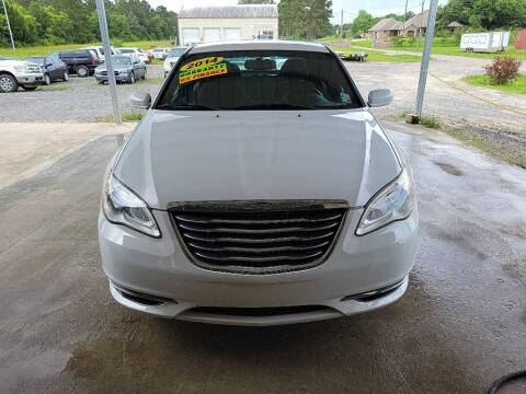 2014 Chrysler 200 for sale at Auto Guarantee, LLC in Eunice LA