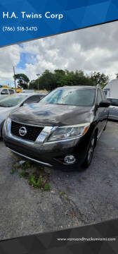 2015 Nissan Pathfinder for sale at H.A. Twins Corp in Miami FL