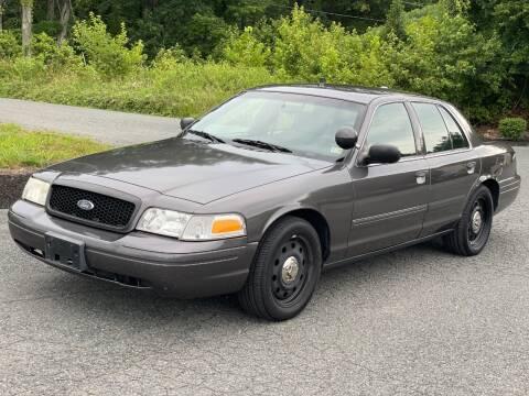 2009 Ford Crown Victoria for sale at ECONO AUTO INC in Spotsylvania VA