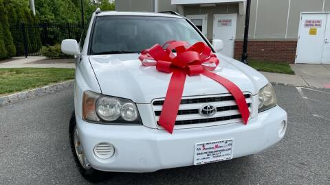 2001 Toyota Highlander for sale at Speedway Motors in Paterson NJ