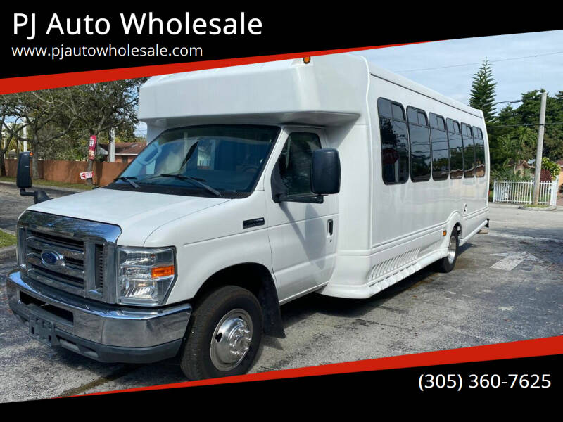 2014 Ford E-Series Chassis for sale in Miami, FL