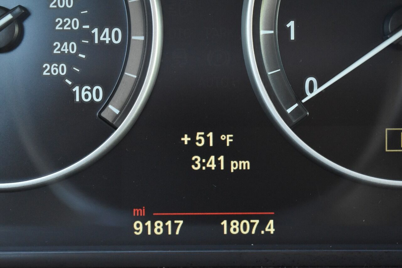 2014 BMW 5 Series 535i xDrive AWD 4dr Sedan full