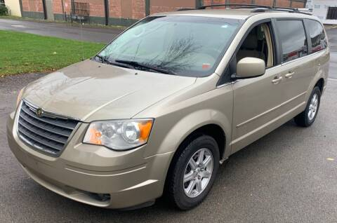 2008 Chrysler Town and Country for sale at Select Auto Brokers in Webster NY