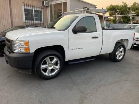2013 Chevrolet Silverado 1500 for sale at Ronnie Motors LLC in San Jose CA