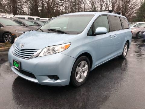 2015 Toyota Sienna for sale at iCar Auto Sales in Howell NJ
