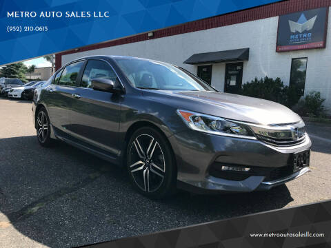 2017 Honda Accord for sale at METRO AUTO SALES LLC in Blaine MN