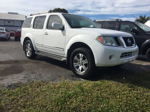 2012 Nissan Pathfinder for sale at CAR-RIGHT AUTO SALES INC in Naples FL
