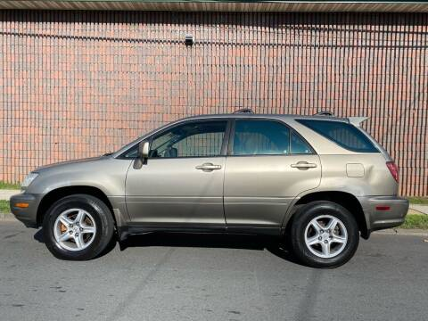 2000 Lexus RX 300 for sale at G1 AUTO SALES II in Elizabeth NJ