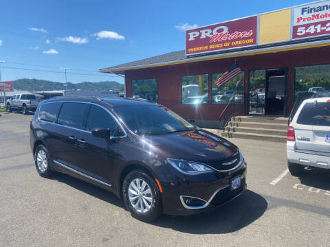 2017 Chrysler Pacifica for sale at Pro Motors in Roseburg OR