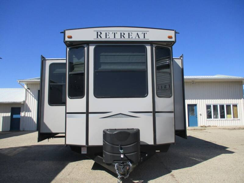 2021 Keystone Retreat 39 MKTS for sale at Lakota RV - New Park Trailers in Lakota ND