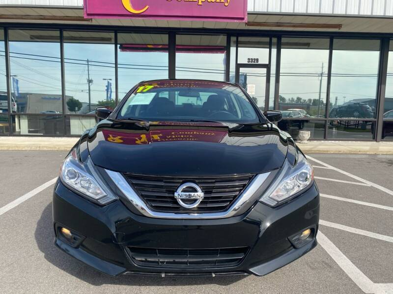 2017 Nissan Altima for sale at Greenville Motor Company in Greenville NC