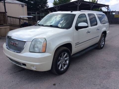 2011 GMC Yukon XL for sale at OASIS PARK & SELL in Spring TX
