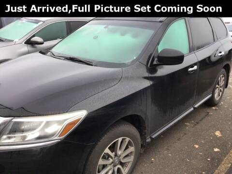 2013 Nissan Pathfinder for sale at Royal Moore Custom Finance in Hillsboro OR