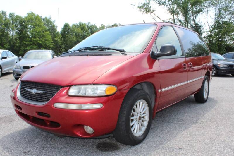 1999 Chrysler Town and Country for sale at UpCountry Motors in Taylors SC