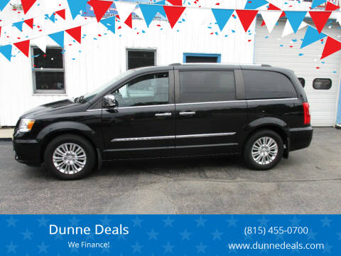 2015 Chrysler Town and Country for sale at Dunne Deals in Crystal Lake IL