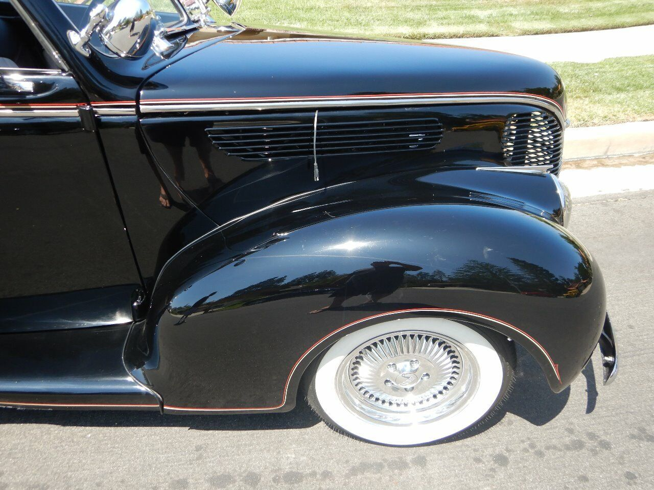 1938 Ford Cabriolet 37