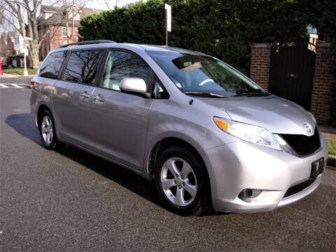 2012 Toyota Sienna for sale at Cars Trader in Brooklyn NY
