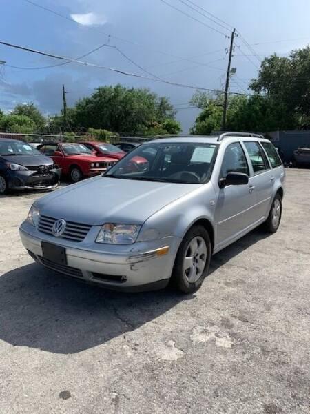 2004 Volkswagen Jetta for sale at Solares Auto Sales in Miami FL