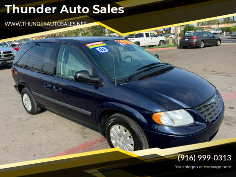 2005 Chrysler Town and Country for sale at Thunder Auto Sales in Sacramento CA