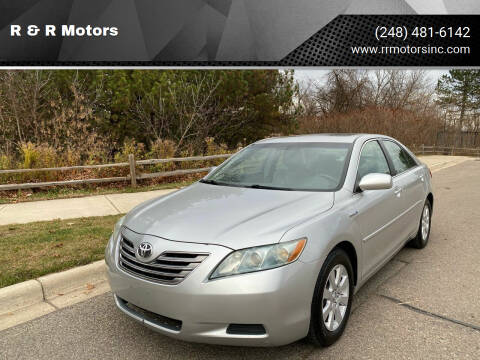2007 Toyota Camry Hybrid for sale at R & R Motors in Waterford MI