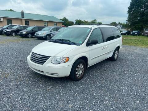 2006 Chrysler Town and Country for sale at US5 Auto Sales in Shippensburg PA