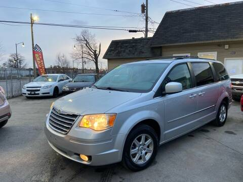 2010 Chrysler Town and Country for sale at Global Auto Finance & Lease INC in Maywood IL