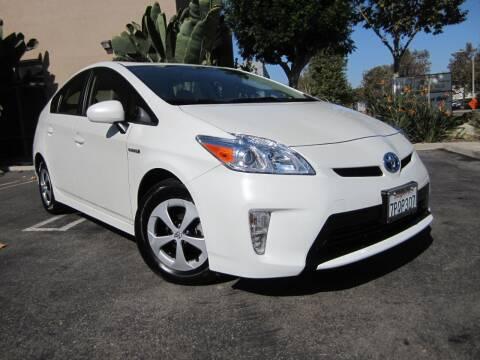 2015 Toyota Prius for sale at ORANGE COUNTY AUTO WHOLESALE in Irvine CA