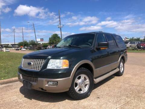 2004 Ford Expedition for sale at TWIN CITY MOTORS in Houston TX