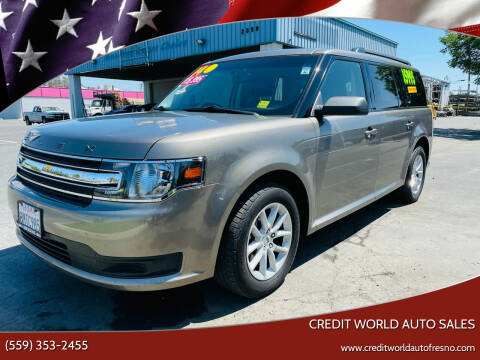 2014 Ford Flex for sale at Credit World Auto Sales in Fresno CA