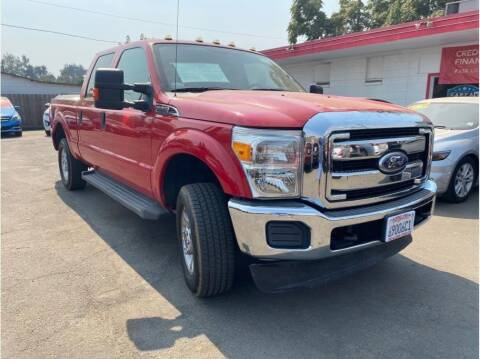 2012 Ford F-250 Super Duty for sale at Dealers Choice Inc in Farmersville CA