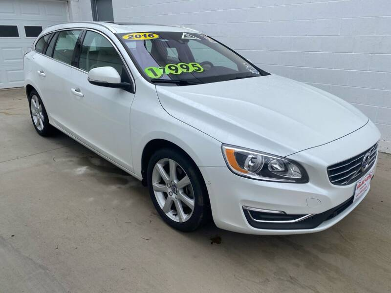2016 Volvo V60 for sale at BOLLING'S AUTO in Bristol TN