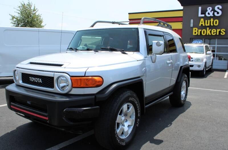 2007 Toyota FJ Cruiser for sale at L & S AUTO BROKERS in Fredericksburg VA