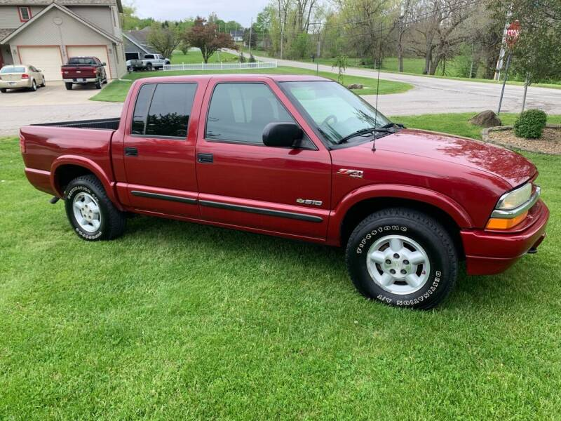 2004 Chevrolet S-10 for sale at Clarks Auto Sales in Connersville IN