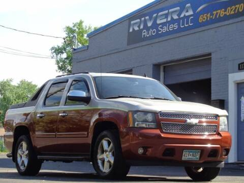 2007 Chevrolet Avalanche for sale at Rivera Auto Sales LLC in Saint Paul MN