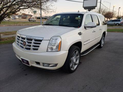 2007 Cadillac Escalade ESV for sale at Auto Hub in Grandview MO