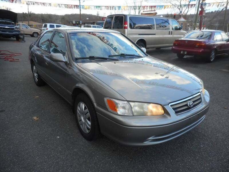 2001 Toyota Camry for sale at Ricciardi Auto Sales in Waterbury CT