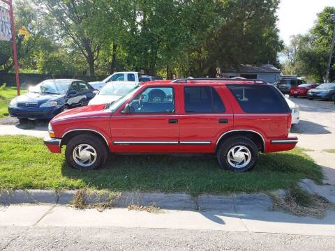 1998 Chevrolet Blazer for sale at D & D Auto Sales in Topeka KS