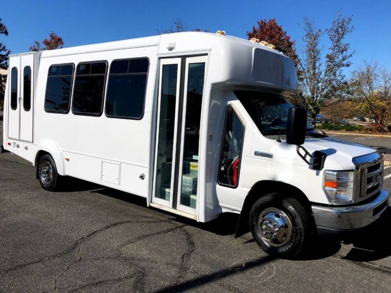2014 Ford E450  Wheelchair Bus for sale at Major Vehicle Exchange in Westbury NY