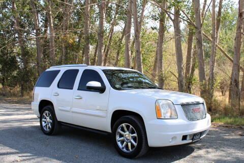 2007 GMC Yukon for sale at Northwest Premier Auto Sales in West Richland WA