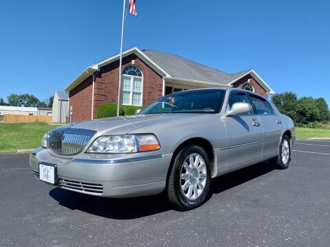 2007 Lincoln Town Car for sale at HillView Motors in Shepherdsville KY