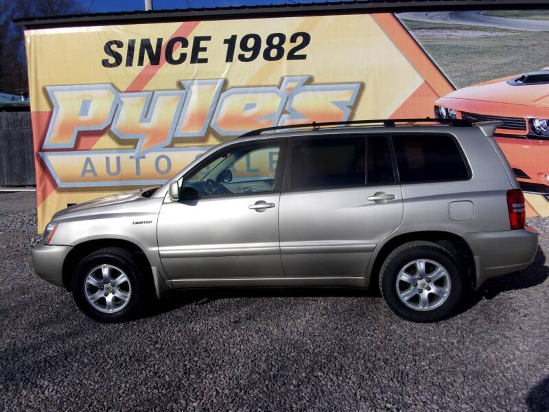 2001 Toyota Highlander for sale at Pyles Auto Sales in Kittanning PA