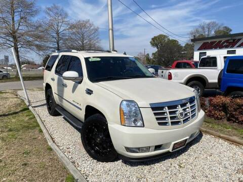 2008 Cadillac Escalade for sale at Beach Auto Brokers in Norfolk VA