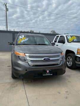 2013 Ford Explorer for sale at A & V MOTORS in Hidalgo TX