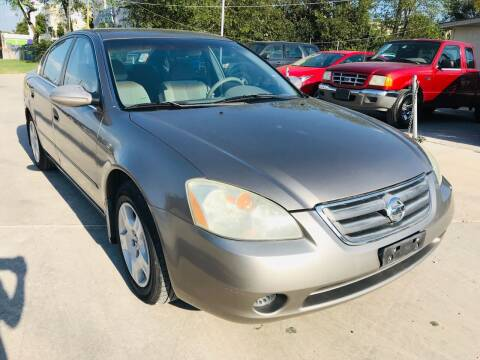 2003 Nissan Altima for sale at LUXURY UNLIMITED AUTO SALES in San Antonio TX
