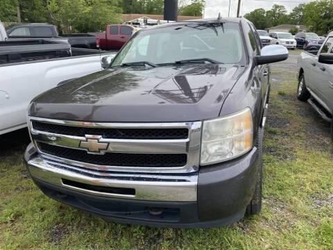 2010 Chevrolet Silverado 1500 for sale at THE COLISEUM MOTORS in Pensacola FL
