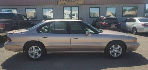 1999 Pontiac Bonneville for sale at Parkway Motors in Springfield IL