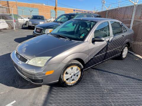 2006 Ford Focus for sale at Square Business Automotive in Milwaukee WI