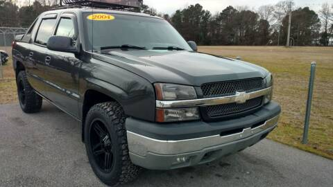 2004 Chevrolet Avalanche for sale at Kelly & Kelly Supermarket of Cars in Fayetteville NC