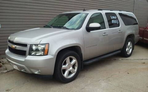 2007 Chevrolet Suburban for sale at Bob's Garage Auto Sales and Towing in Storm Lake IA