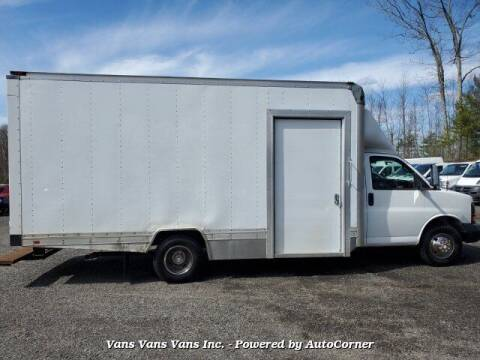 2009 GMC Savana Cutaway for sale at Vans Vans Vans INC in Blauvelt NY